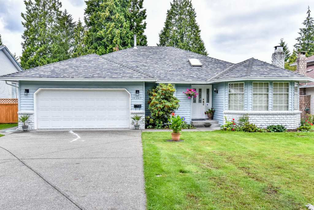 "Main Photo: 15467 91A Avenue in Surrey: Fleetwood Tynehead House for sale in ""BERKSHIRE PARK"" : MLS®# R2091472"