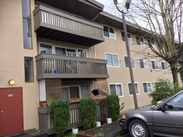 "Main Photo: 28 5780 HASTINGS Street in Burnaby: Capitol Hill BN Condo for sale in ""KENSINGTON GARDENS"" (Burnaby North)  : MLS®# R2125165"