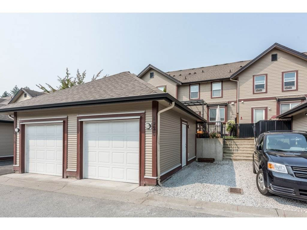 """Photo 20: Photos: 6920 208TH Street in Langley: Willoughby Heights Condo for sale in """"MILNER HEIGHTS"""" : MLS®# R2196182"""