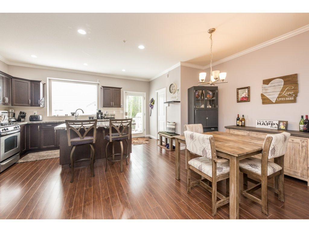 """Photo 5: Photos: 6920 208TH Street in Langley: Willoughby Heights Condo for sale in """"MILNER HEIGHTS"""" : MLS®# R2196182"""