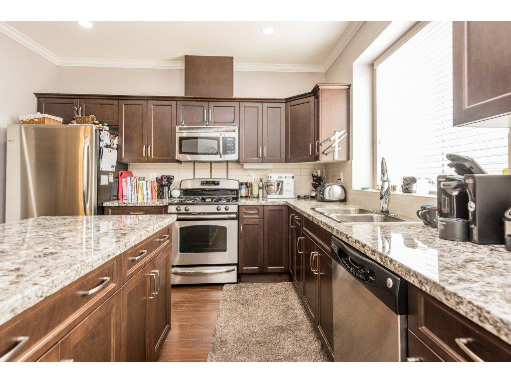"""Photo 9: Photos: 6920 208TH Street in Langley: Willoughby Heights Condo for sale in """"MILNER HEIGHTS"""" : MLS®# R2196182"""