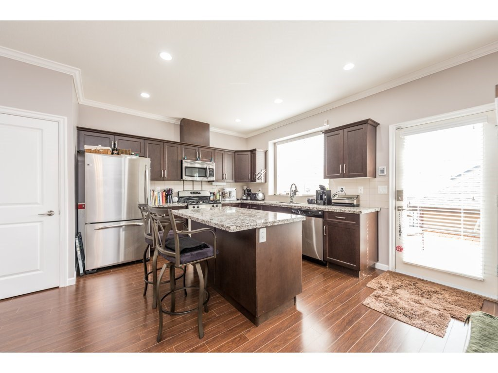 """Photo 7: Photos: 6920 208TH Street in Langley: Willoughby Heights Condo for sale in """"MILNER HEIGHTS"""" : MLS®# R2196182"""