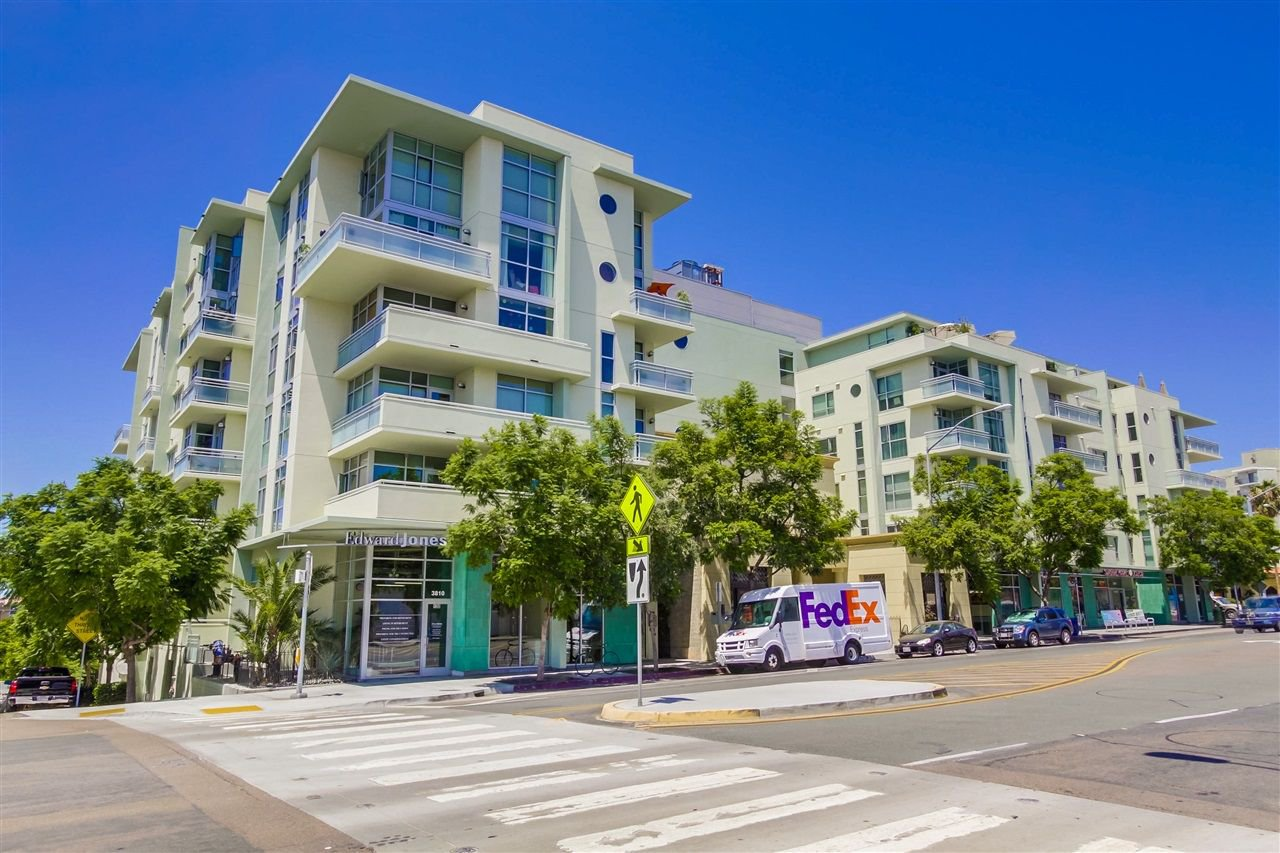 Main Photo: HILLCREST Condo for sale : 1 bedrooms : 3812 Park Blvd #101 in San Diego