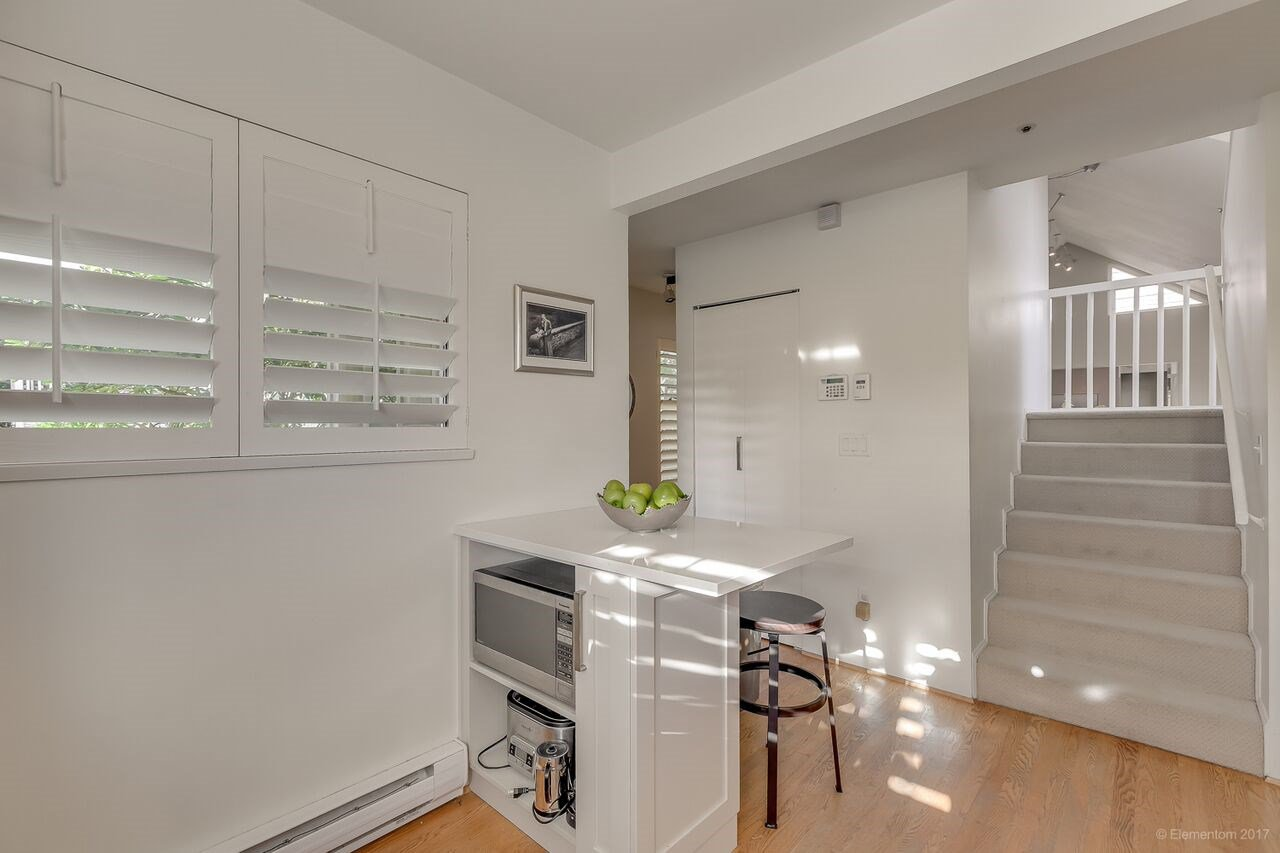 Photo 9: Photos: 40 W 14TH Avenue in Vancouver: Mount Pleasant VW Townhouse for sale (Vancouver West)  : MLS®# R2202470