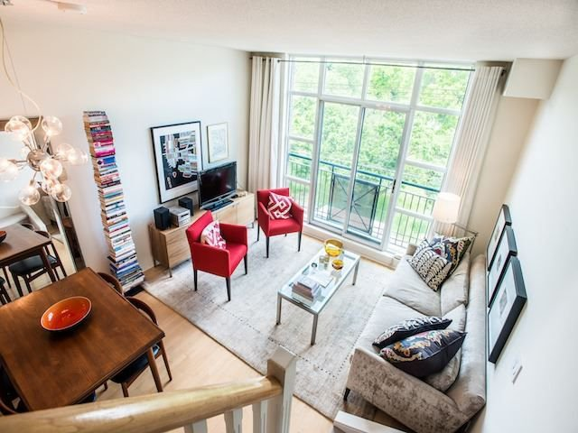 Main Photo: 429 901 W Queen Street in Toronto: Trinity-Bellwoods Condo for lease (Toronto C01)  : MLS®# C4160650