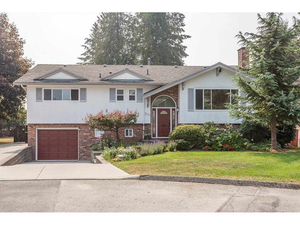 Main Photo: 319 MOUNT ROYAL Place in Port Moody: College Park PM House for sale : MLS®# R2298047