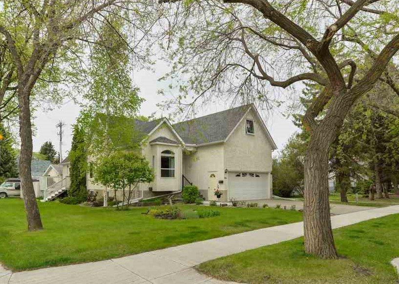 Main Photo: 8703 79 Avenue in Edmonton: Zone 17 House for sale : MLS®# E4158363