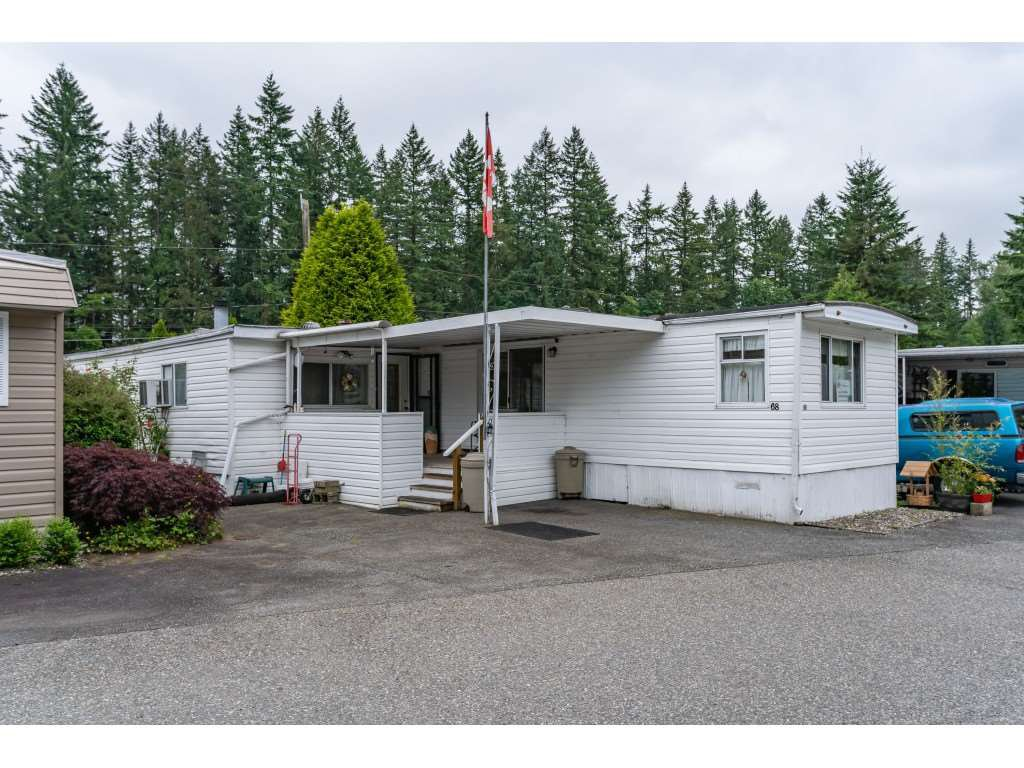 Main Photo: 68 9080 198 Street in Langley: Walnut Grove Manufactured Home for sale : MLS®# R2373113