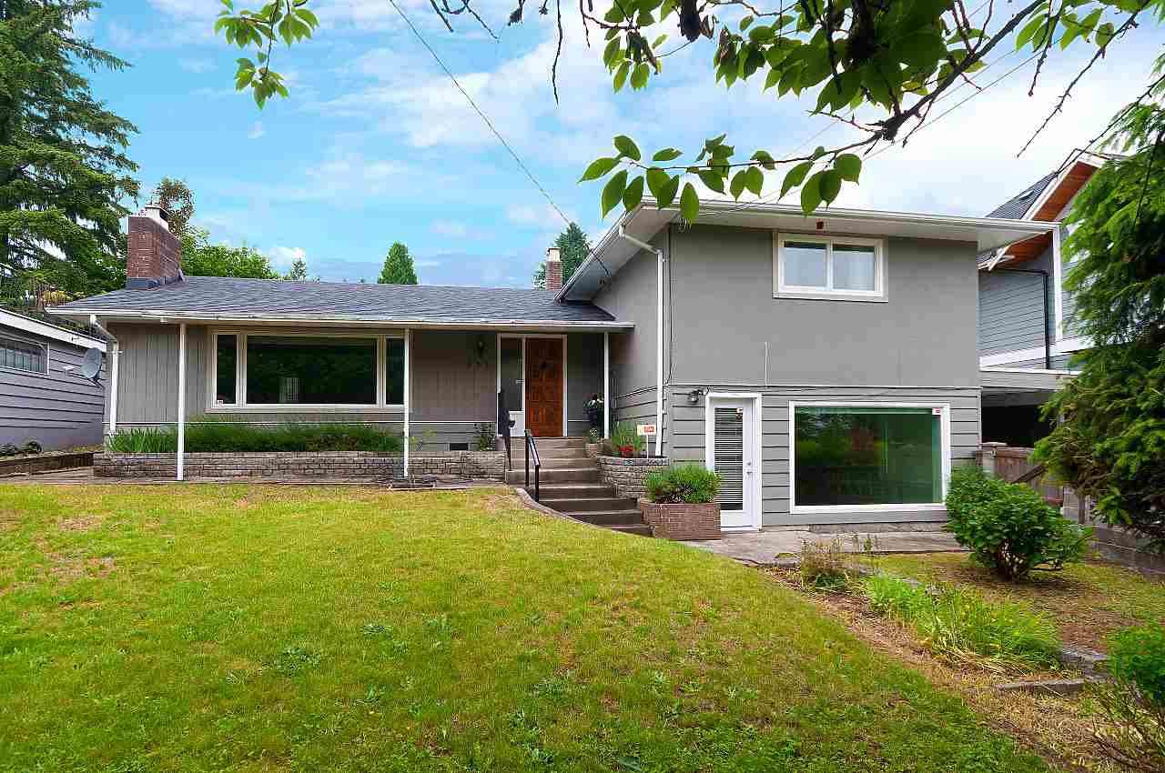 """Main Photo: 933 TUXEDO Drive in Port Moody: College Park PM House for sale in """"COLLEGE PARK"""" : MLS®# R2375376"""