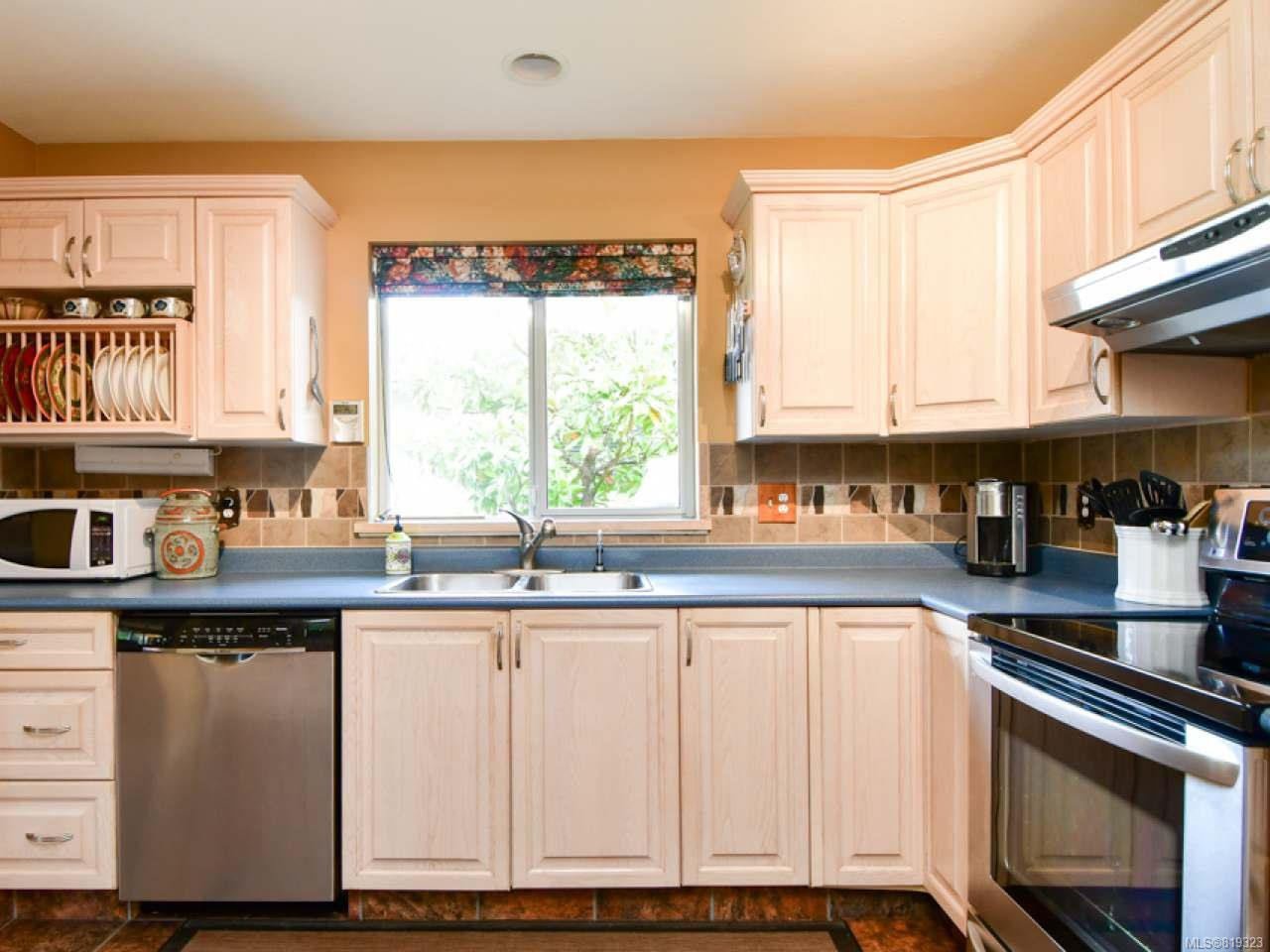 Photo 11: Photos: 35 2055 Galerno Rd in CAMPBELL RIVER: CR Willow Point Row/Townhouse for sale (Campbell River)  : MLS®# 819323