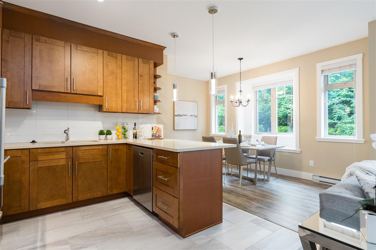 """Photo 10: Photos: 9 8091 NO. 2 Road in Richmond: Lackner Townhouse for sale in """"KINGFISHER PARK"""" : MLS®# R2456674"""