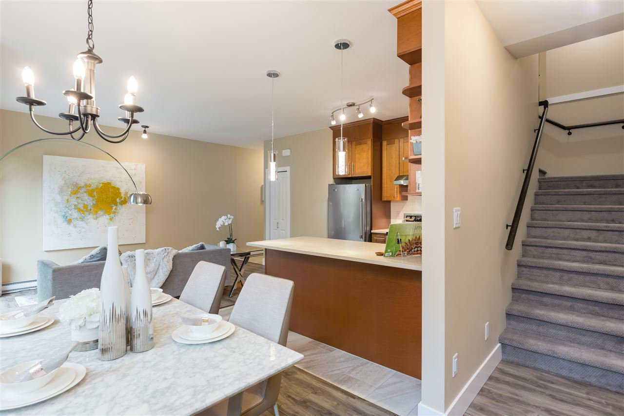 """Photo 13: Photos: 9 8091 NO. 2 Road in Richmond: Lackner Townhouse for sale in """"KINGFISHER PARK"""" : MLS®# R2456674"""