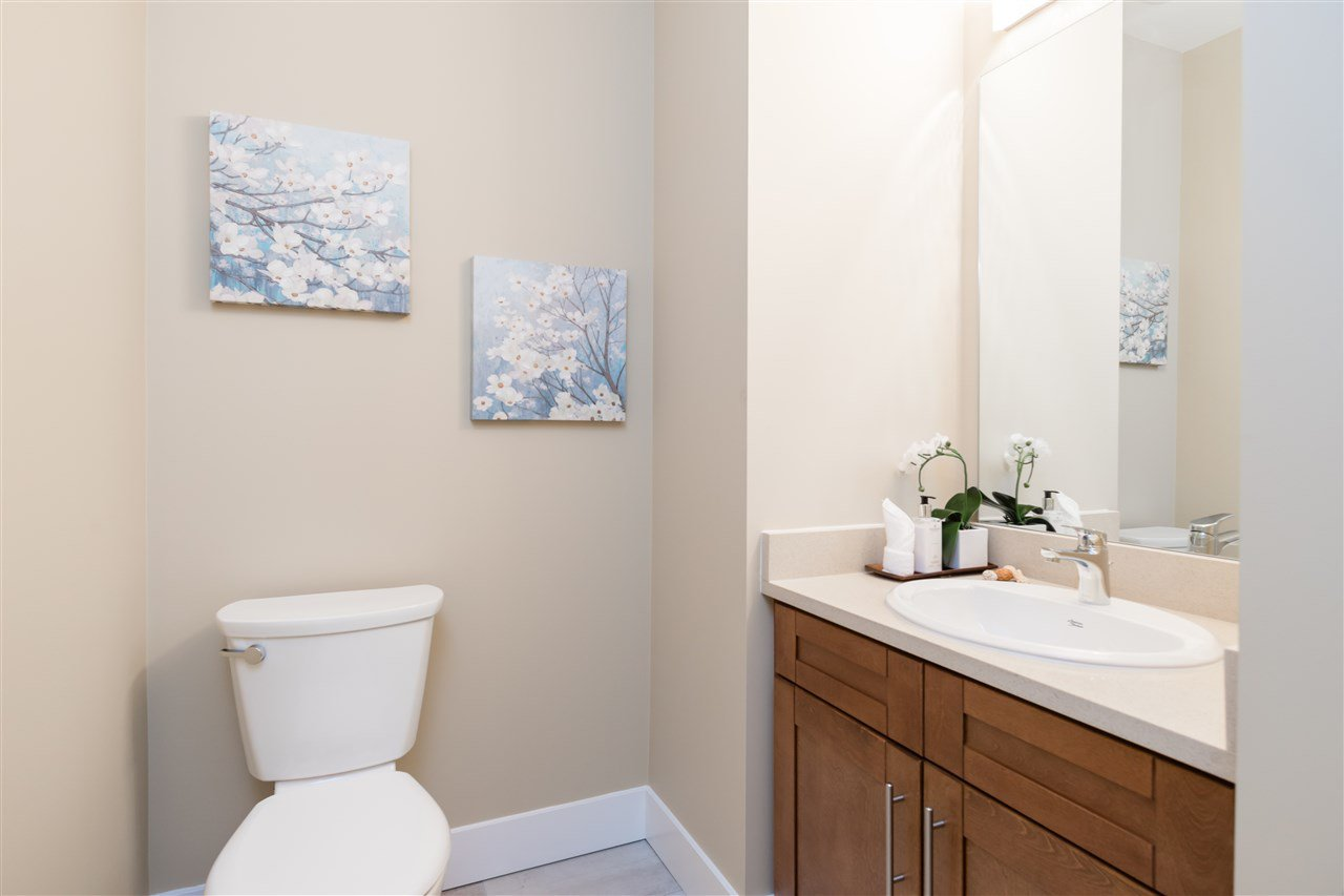 """Photo 12: Photos: 9 8091 NO. 2 Road in Richmond: Lackner Townhouse for sale in """"KINGFISHER PARK"""" : MLS®# R2456674"""