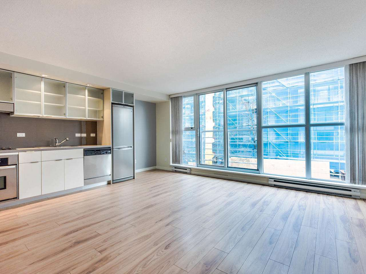 Main Photo: 309 168 POWELL STREET in Vancouver: Downtown VE Condo for sale (Vancouver East)  : MLS®# R2439616
