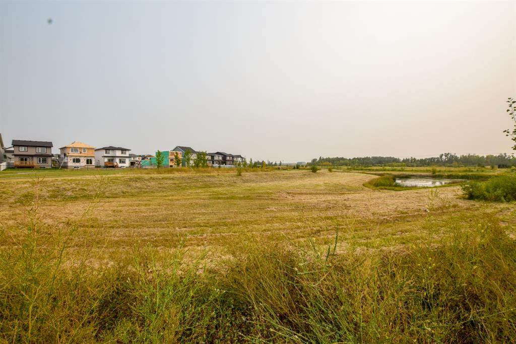 Photo 6: Photos: 30 Memorial Parkway in Rural Red Deer County: Liberty Landing Residential for sale : MLS®# A1034926