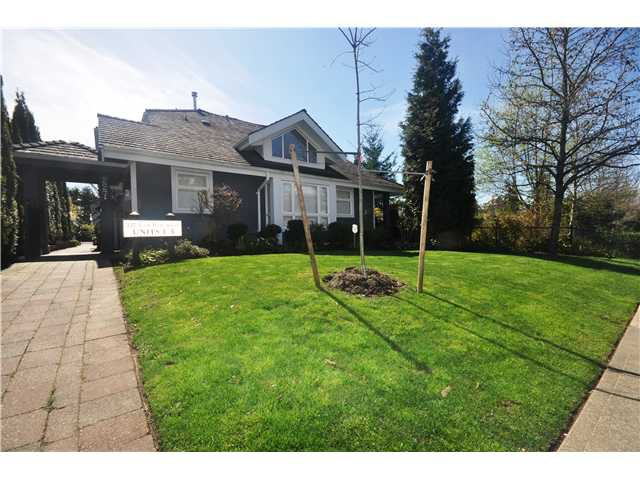 Main Photo: 4 227 E 11TH Street in North Vancouver: Central Lonsdale Townhouse for sale : MLS®# V1001342