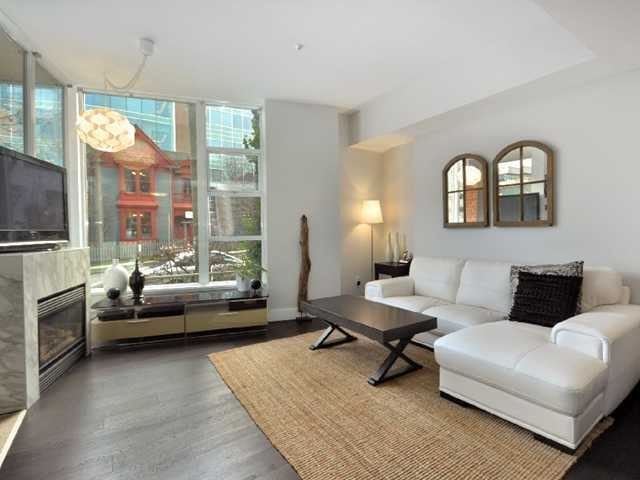 Photo 2: Photos: 2325 ASH ST in Vancouver: Fairview VW Condo for sale (Vancouver West)  : MLS®# V1021388