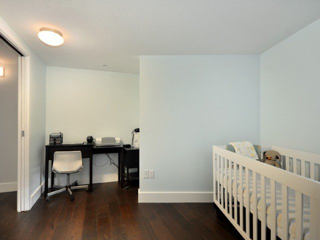 Photo 8: Photos: 2325 ASH ST in Vancouver: Fairview VW Condo for sale (Vancouver West)  : MLS®# V1021388