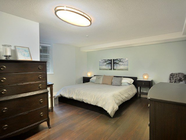 Photo 6: Photos: 2325 ASH ST in Vancouver: Fairview VW Condo for sale (Vancouver West)  : MLS®# V1021388
