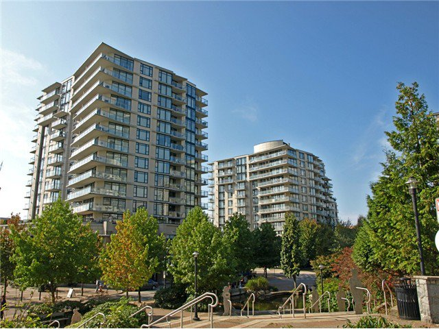 "Main Photo: 902 155 W 1ST Street in North Vancouver: Lower Lonsdale Condo for sale in ""Time"" : MLS®# V1035039"