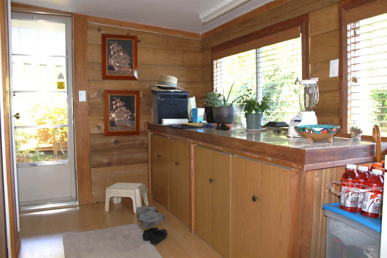 Photo 13: Photos: 57 4496 SUNSHINE COAST Highway in Sechelt: Sechelt District Manufactured Home for sale (Sunshine Coast)  : MLS®# R2001042