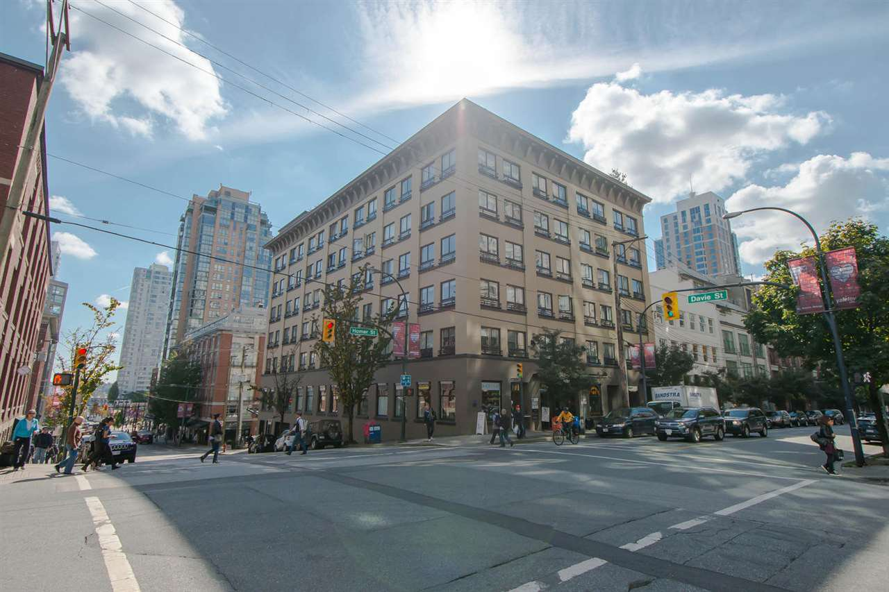 "Main Photo: 209 1216 HOMER Street in Vancouver: Yaletown Condo for sale in ""THE MURCHIES BUILDING"" (Vancouver West)  : MLS®# R2003084"