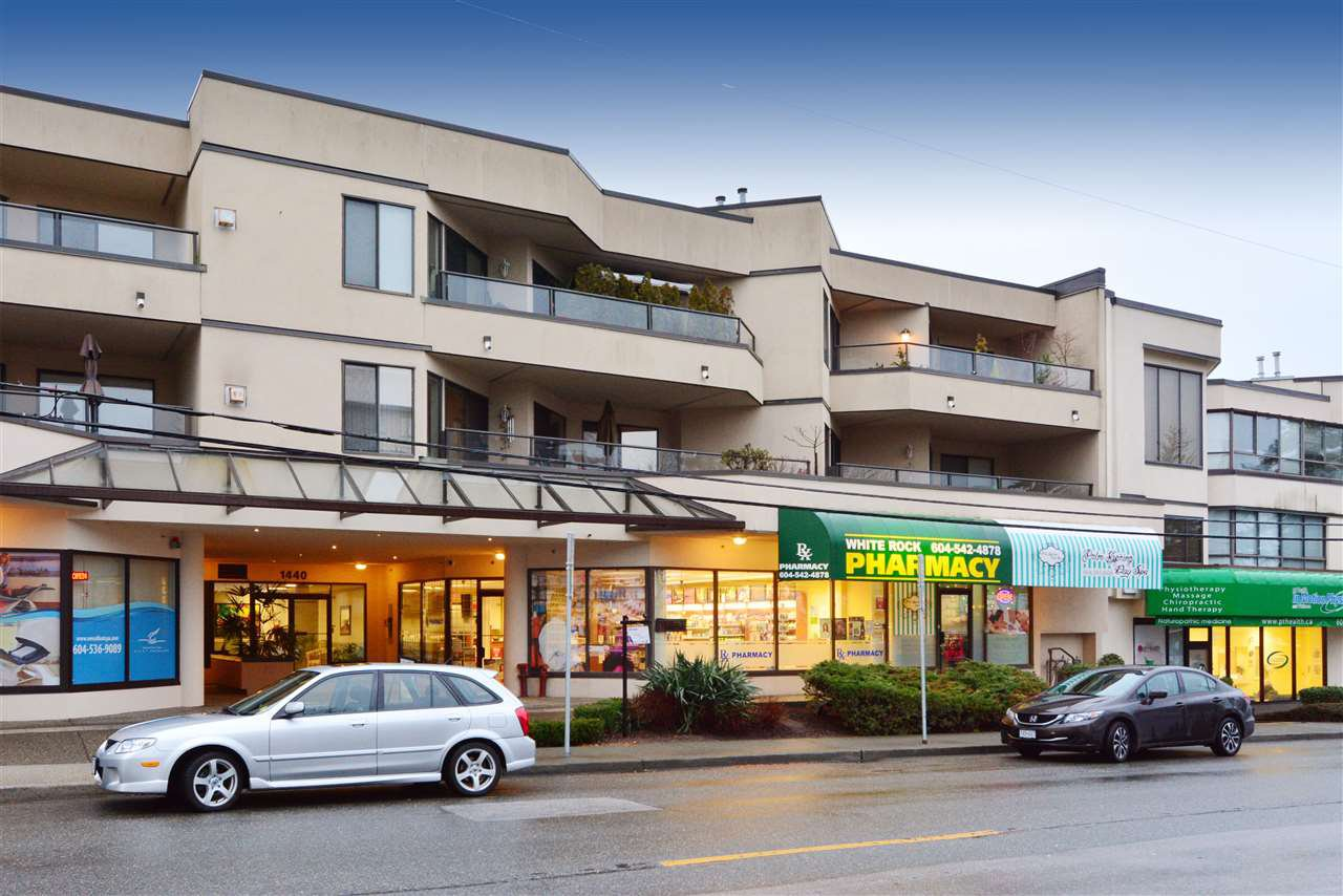 "Main Photo: 302 1440 GEORGE Street: White Rock Condo for sale in ""Georgian Square"" (South Surrey White Rock)  : MLS®# R2022252"