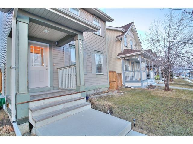 Photo 3: Photos: 824 EVERRIDGE Drive SW in Calgary: Evergreen House for sale : MLS®# C4048320