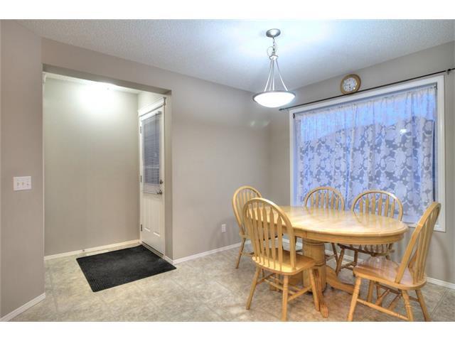 Photo 11: Photos: 824 EVERRIDGE Drive SW in Calgary: Evergreen House for sale : MLS®# C4048320