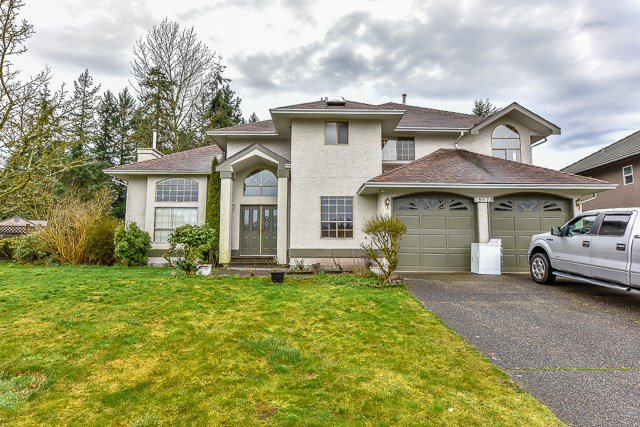 Main Photo: 13678 58TH Avenue in Surrey: Panorama Ridge House for sale : MLS®# R2036033