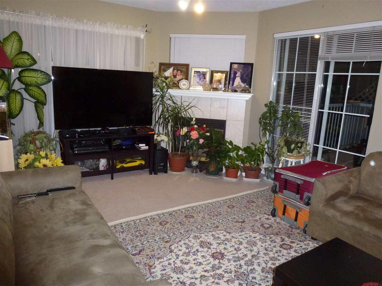 "Photo 5: Photos: 323 2678 DIXON Street in Port Coquitlam: Central Pt Coquitlam Condo for sale in ""SPRINGDALE"" : MLS®# R2041724"