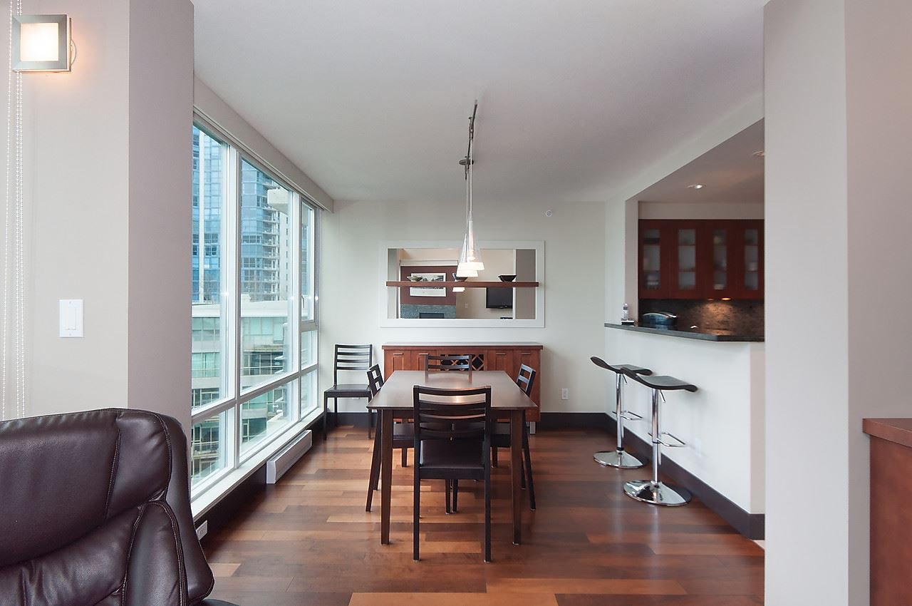 "Photo 5: Photos: 803 590 NICOLA Street in Vancouver: Coal Harbour Condo for sale in ""CASCINA"" (Vancouver West)  : MLS®# R2045601"