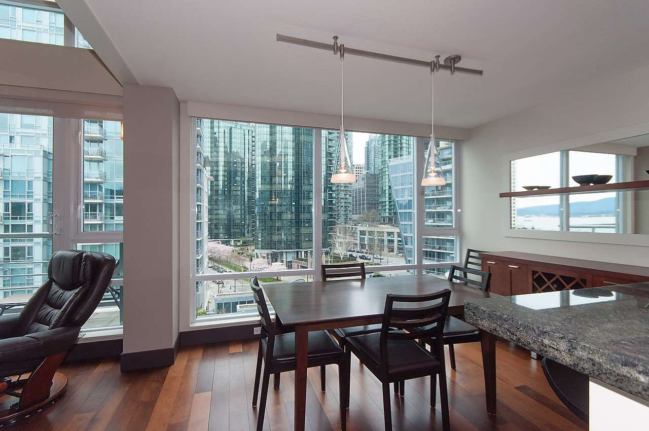 "Photo 6: Photos: 803 590 NICOLA Street in Vancouver: Coal Harbour Condo for sale in ""CASCINA"" (Vancouver West)  : MLS®# R2045601"