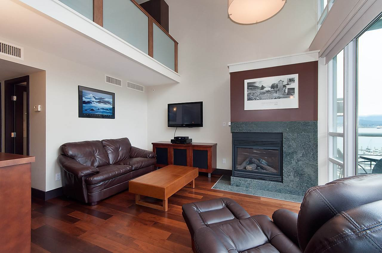 "Photo 3: Photos: 803 590 NICOLA Street in Vancouver: Coal Harbour Condo for sale in ""CASCINA"" (Vancouver West)  : MLS®# R2045601"