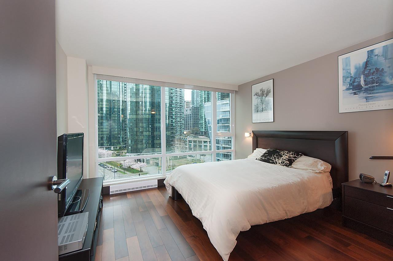 "Photo 11: Photos: 803 590 NICOLA Street in Vancouver: Coal Harbour Condo for sale in ""CASCINA"" (Vancouver West)  : MLS®# R2045601"