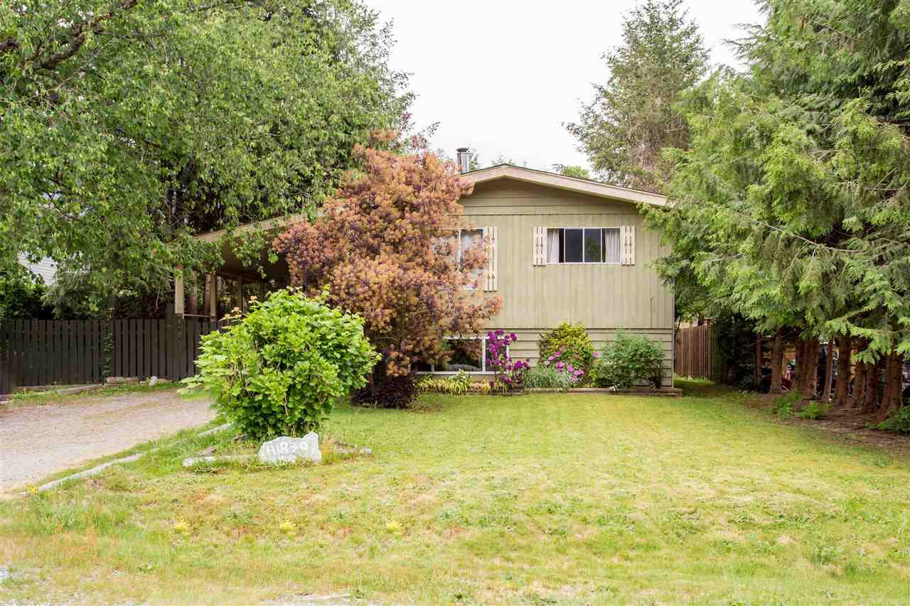 Main Photo: 41830 HOPE Road in Squamish: Brackendale House for sale : MLS®# R2069718