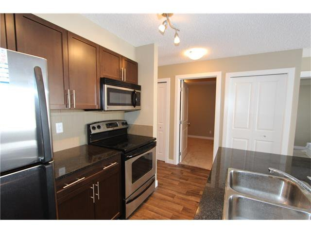 Photo 8: Photos: 1208 625 GLENBOW Drive: Cochrane Condo for sale : MLS®# C4071555