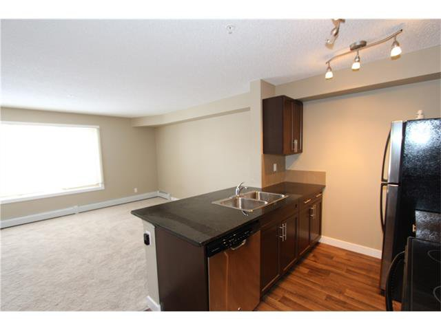 Photo 6: Photos: 1208 625 GLENBOW Drive: Cochrane Condo for sale : MLS®# C4071555