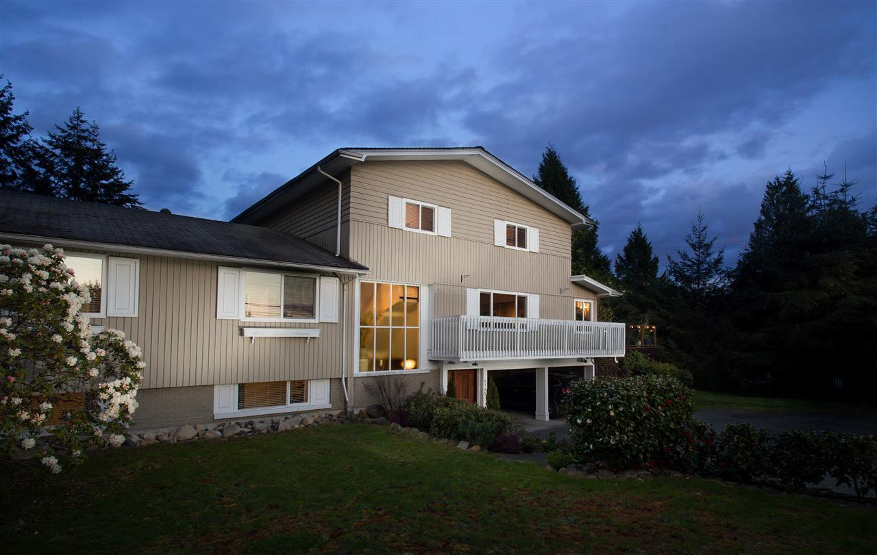 Main Photo: 4145 RIPPLE ROAD in West Vancouver: Bayridge House for sale : MLS®# R2161640