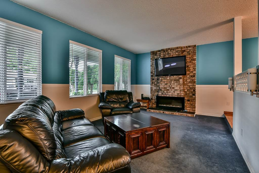 """Photo 10: Photos: 15464 95A Avenue in Surrey: Fleetwood Tynehead House for sale in """"BERKSHIRE PARK"""" : MLS®# R2179665"""