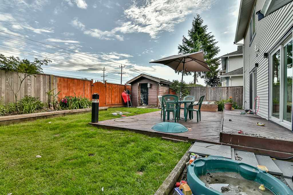 """Photo 19: Photos: 15464 95A Avenue in Surrey: Fleetwood Tynehead House for sale in """"BERKSHIRE PARK"""" : MLS®# R2179665"""