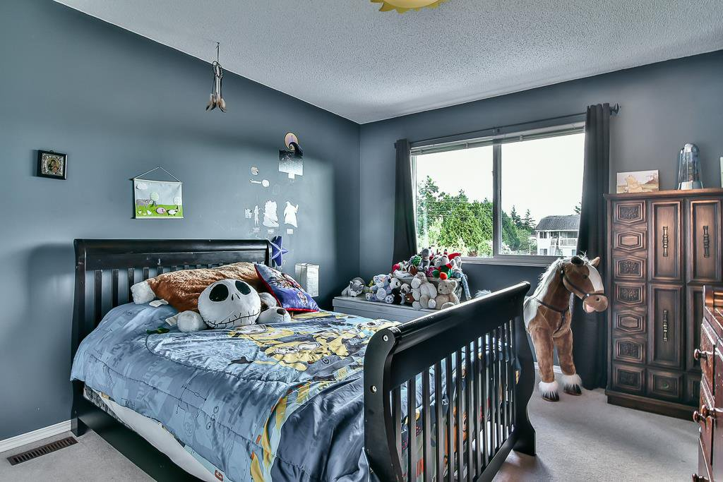 """Photo 15: Photos: 15464 95A Avenue in Surrey: Fleetwood Tynehead House for sale in """"BERKSHIRE PARK"""" : MLS®# R2179665"""