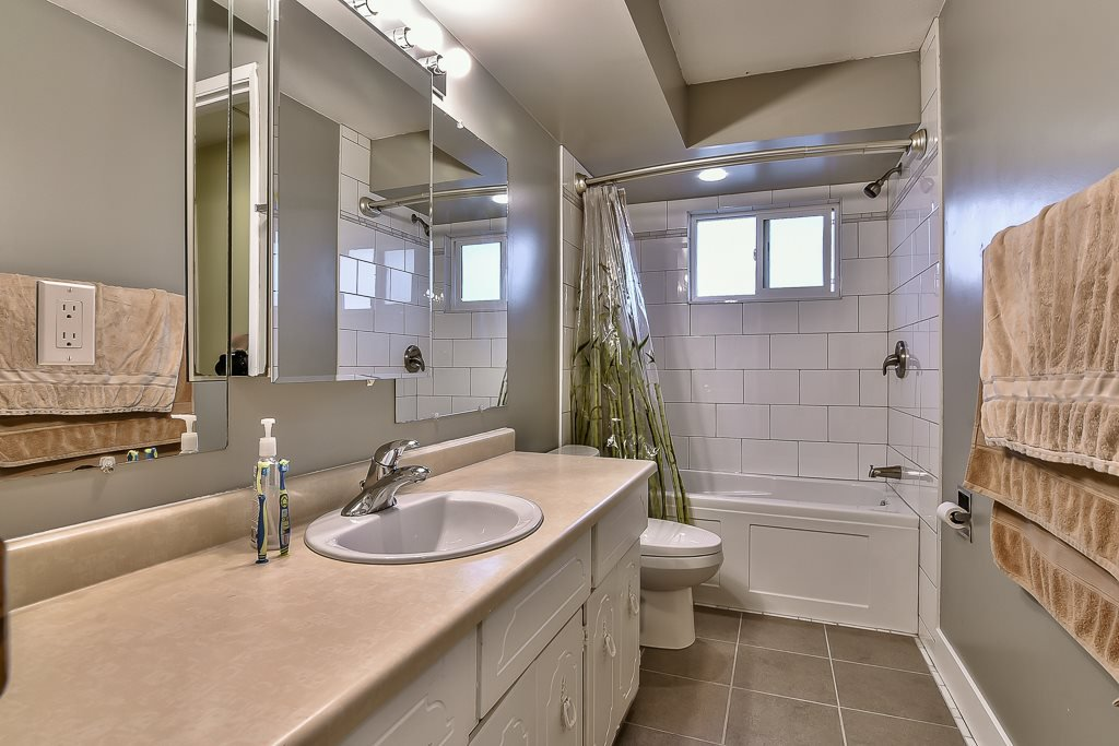 """Photo 16: Photos: 15464 95A Avenue in Surrey: Fleetwood Tynehead House for sale in """"BERKSHIRE PARK"""" : MLS®# R2179665"""
