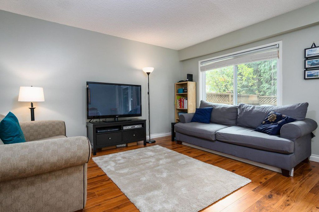 Photo 9: Photos: 52 3046 Coast Meridian Road in Port Coquitlam: Birchland Manor Townhouse for sale : MLS®# R2195163