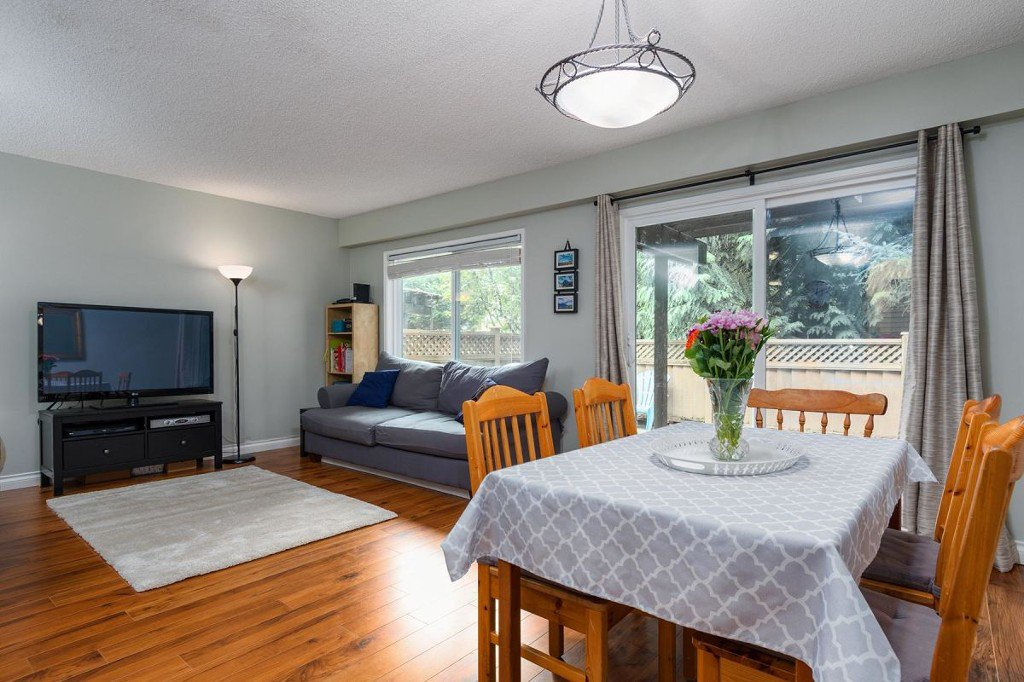 Photo 13: Photos: 52 3046 Coast Meridian Road in Port Coquitlam: Birchland Manor Townhouse for sale : MLS®# R2195163