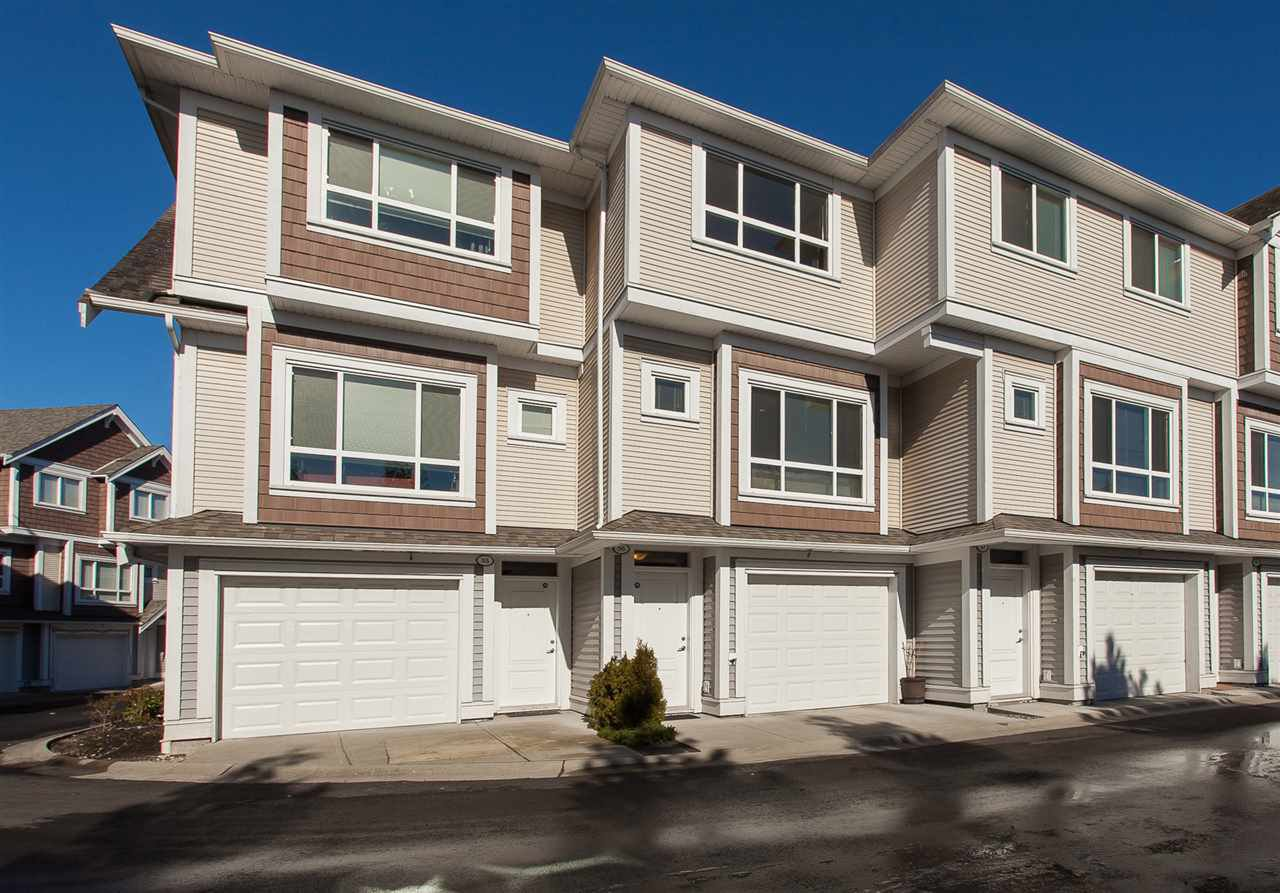 """Main Photo: 56 7298 199A Street in Langley: Willoughby Heights Townhouse for sale in """"York"""" : MLS®# R2243202"""