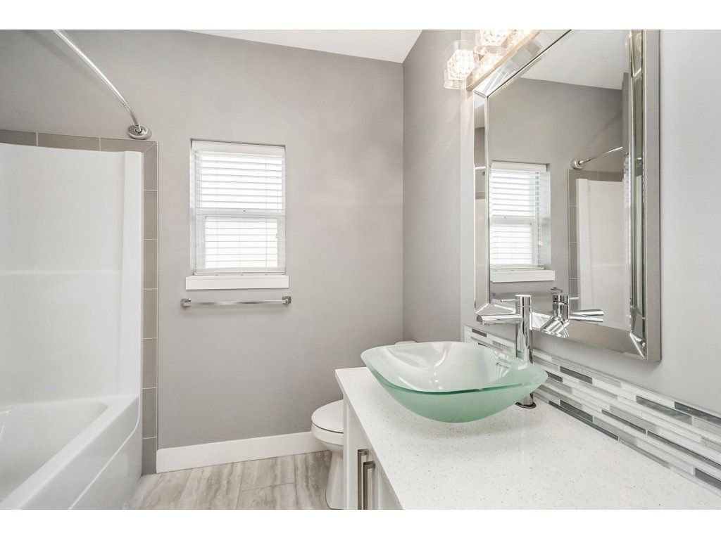 "Photo 11: Photos: 20656 MAPLE Crescent in Maple Ridge: Southwest Maple Ridge House for sale in ""Riverside Estates"" : MLS®# R2243756"