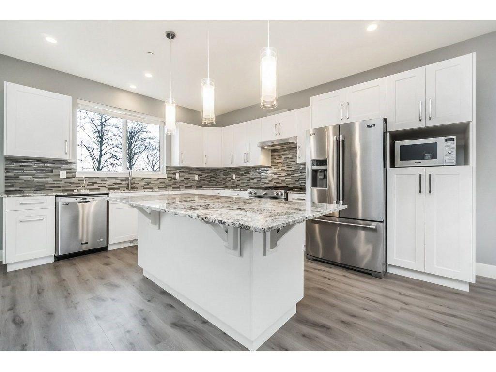 "Photo 6: Photos: 20656 MAPLE Crescent in Maple Ridge: Southwest Maple Ridge House for sale in ""Riverside Estates"" : MLS®# R2243756"