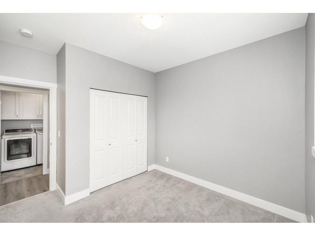 "Photo 10: Photos: 20656 MAPLE Crescent in Maple Ridge: Southwest Maple Ridge House for sale in ""Riverside Estates"" : MLS®# R2243756"