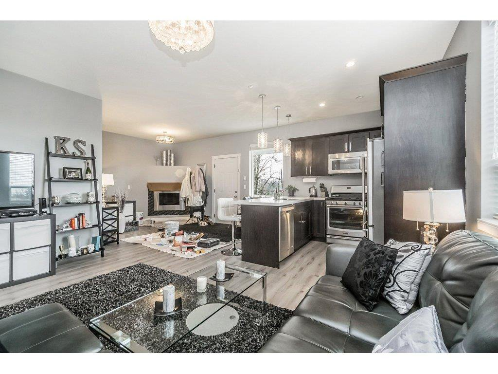 "Photo 14: Photos: 20656 MAPLE Crescent in Maple Ridge: Southwest Maple Ridge House for sale in ""Riverside Estates"" : MLS®# R2243756"